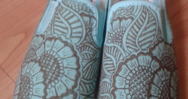 Drawn shoe henna Pinterest para on Henna by