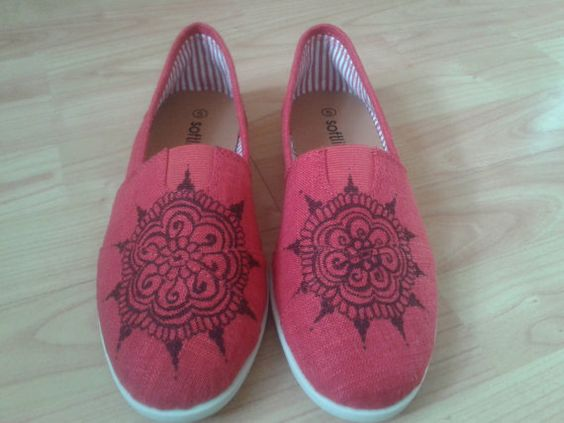 Drawn shoe henna FunkyHenna Shoes Henna  Custom