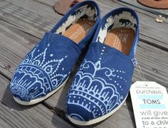 Drawn shoe henna Crafts Blue Painted sharpie Henna