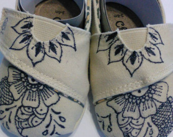 Drawn shoe henna / Baby Design shoes Original