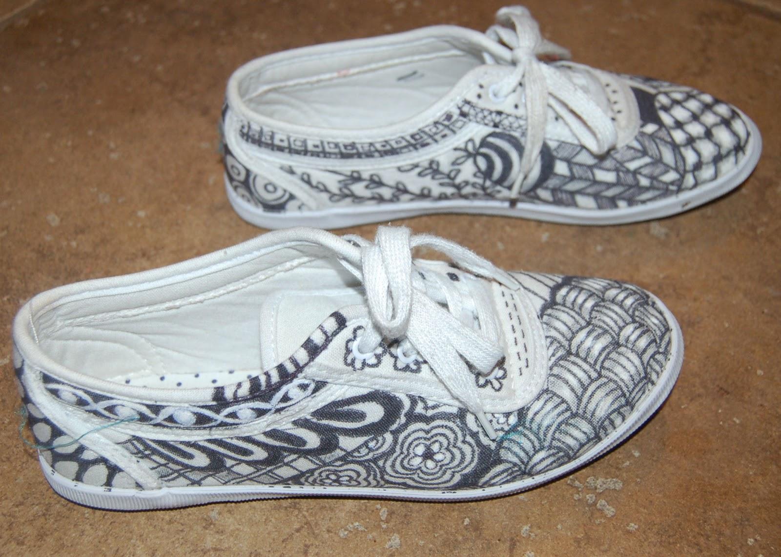 Drawn shoe zentangle #3