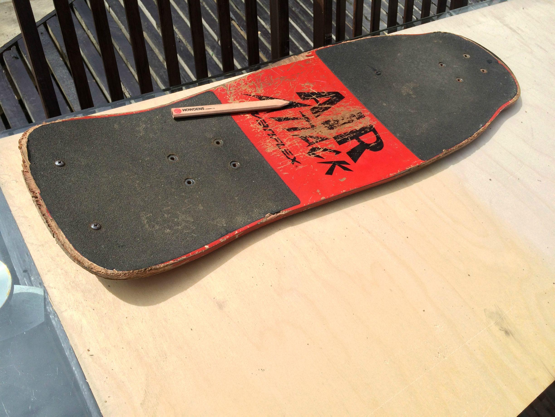 Drawn skateboard plywood Step on 2: Making deck