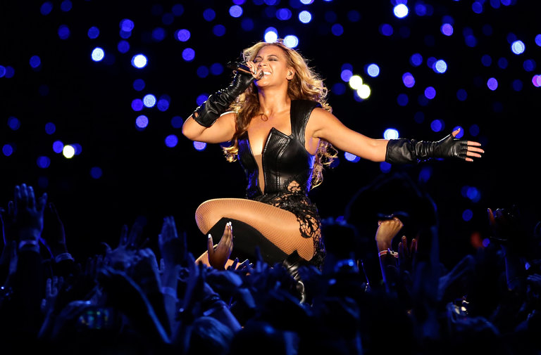 Drawn spectacles bowl Hope at in Beyoncé to