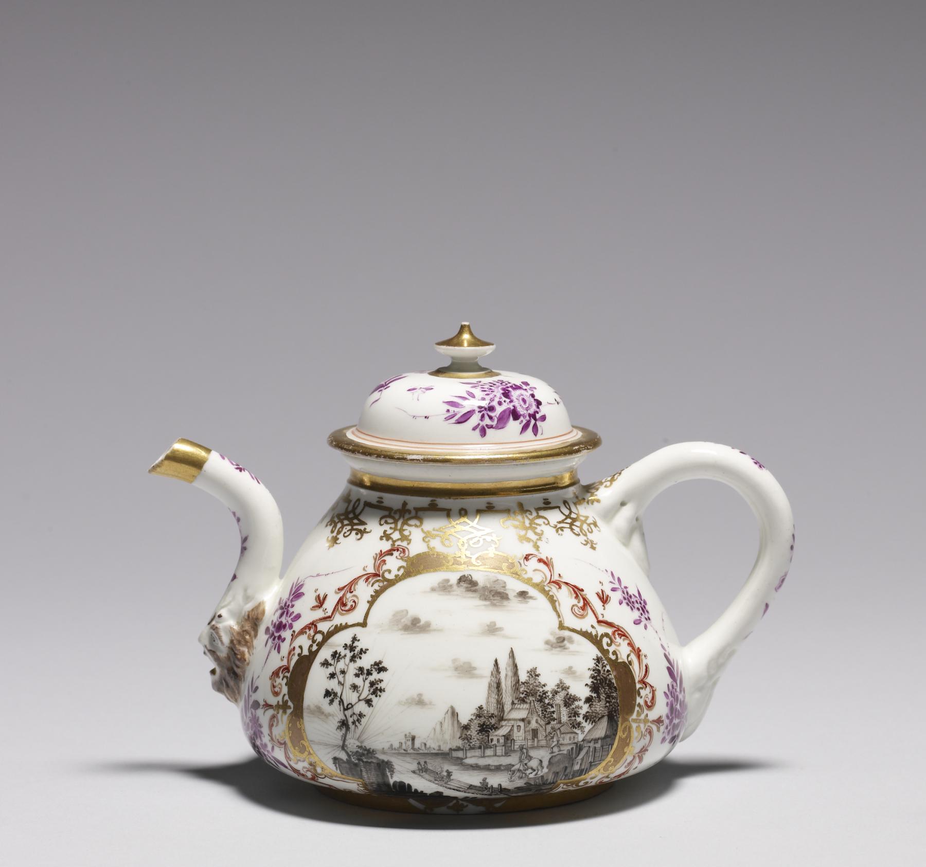 Drawn teapot porcelain  Porcelain Side Manufactory File:Meissen