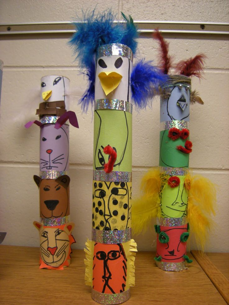 Drawn totem pole north american Children four into various paper
