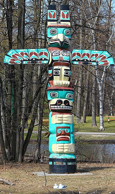 Drawn totem pole north american Cultures Arts American  Pin
