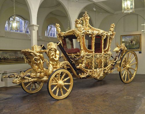 Drawn trolley gold horse Gold London DrawnBuckingham Transportation State