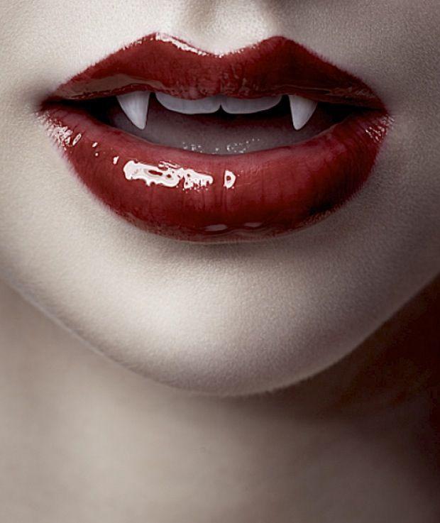Drawn vampire vampire fang Vampire fangs bellissime on Pinterest
