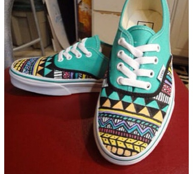 Drawn vans aztec pattern Canvases I images Vans patterns
