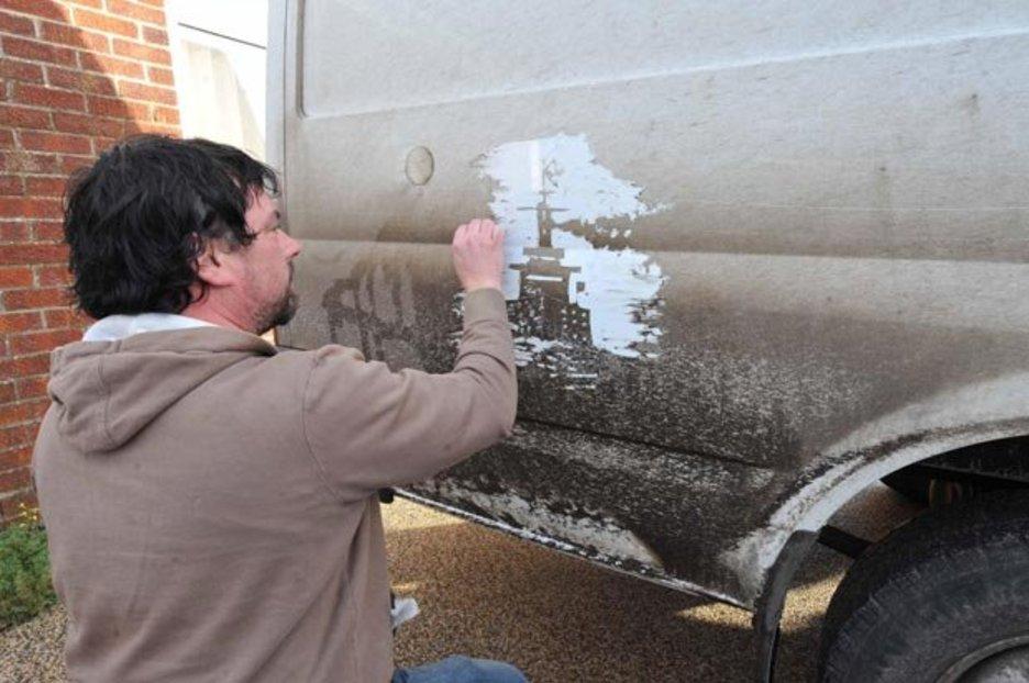 Drawn vans man Works side Star dirty