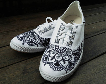 Drawn shoe henna / Shoe Henna / /