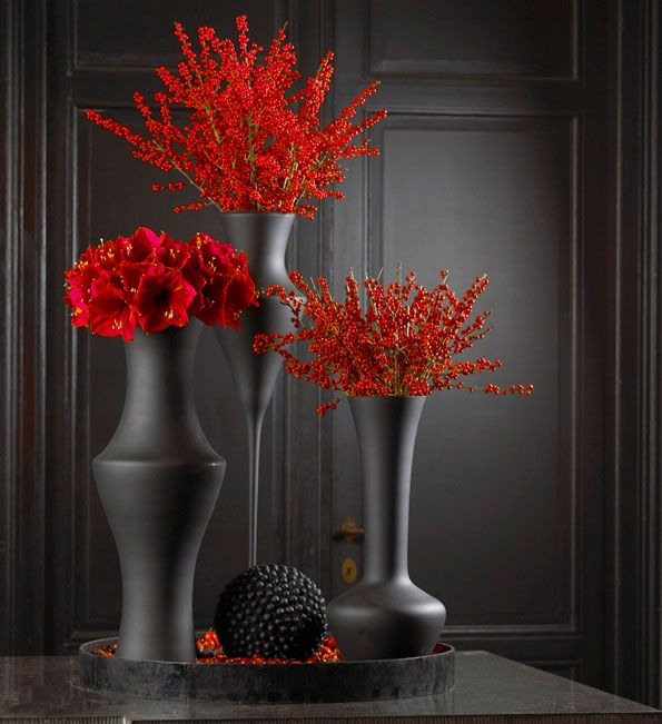Drawn vase black and red Pinterest ideas in paint mat