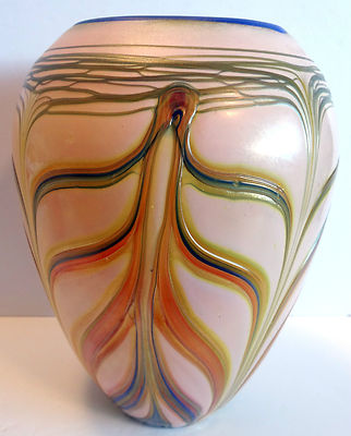 Drawn vase one Vase kind pulled a one