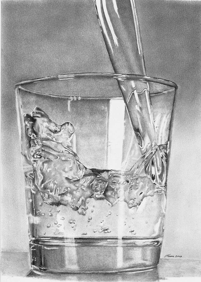 Drawn amd glass Water Glass Of · Glass