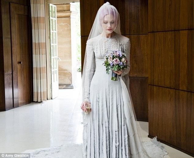 Drawn wedding dress mary jane watson Chiffon veil Daily exhibition Pugh