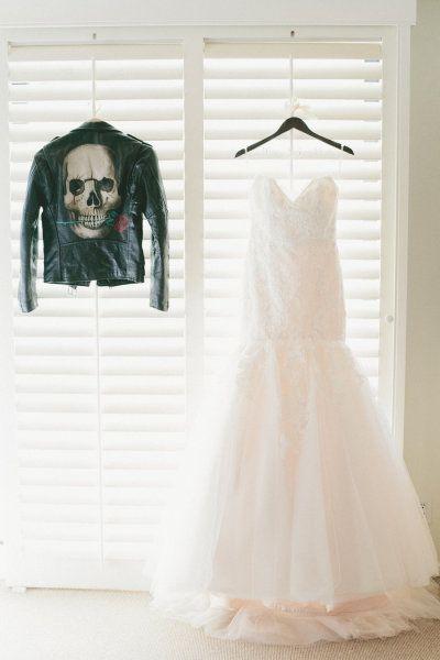 Drawn wedding dress unique Pinterest Rustic Wedding onelove wedding