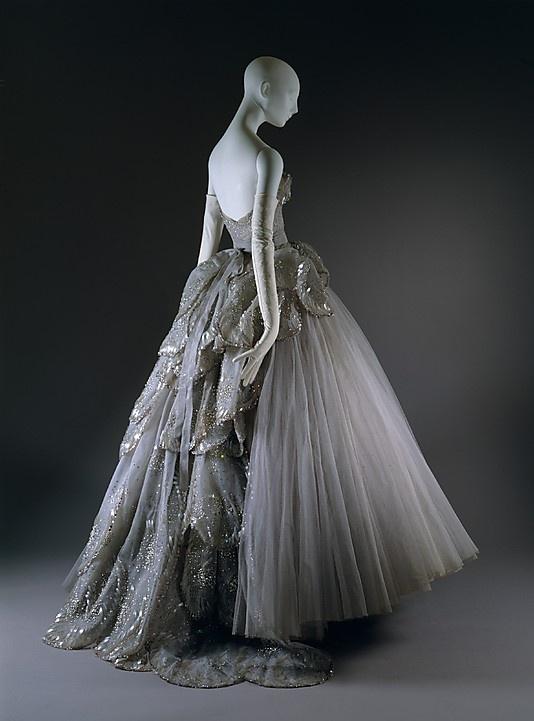 Drawn wedding dress vintage dress Fashion dress am Sarah the