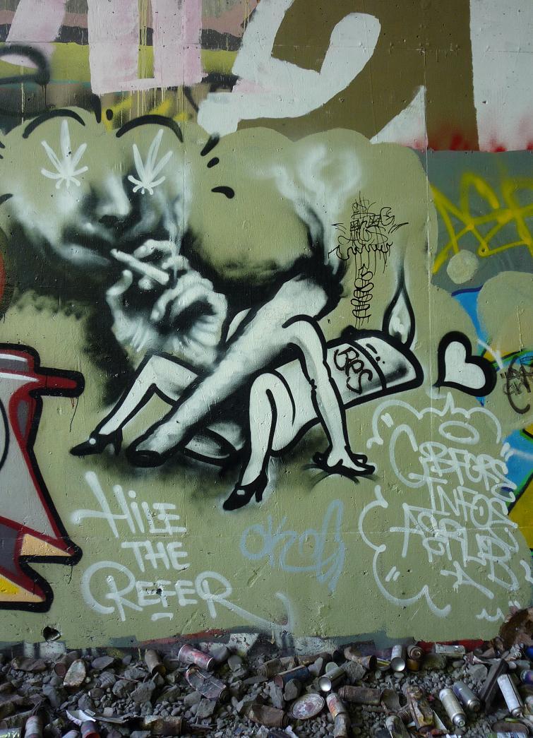 Drawn cannabis ©2006 Design Drawings Weed Graffiti
