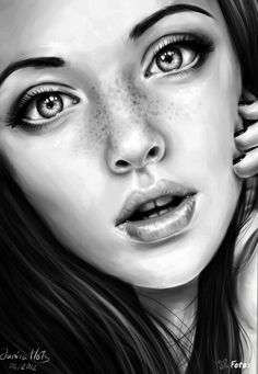Drawn women real face Makes drawings PENCI work simple