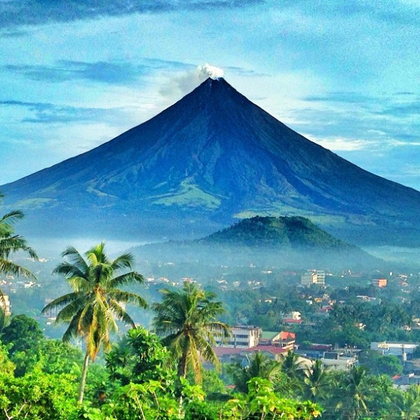 Eruption clipart mayon volcano Philippines com/z/mayon Philippines Pinterest volcano
