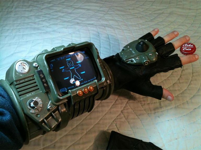 Fallout clipart pitboy Cbsistatic com/hub/i/r/2012/10/29/85bd157f 11e2 http://cnet3 4