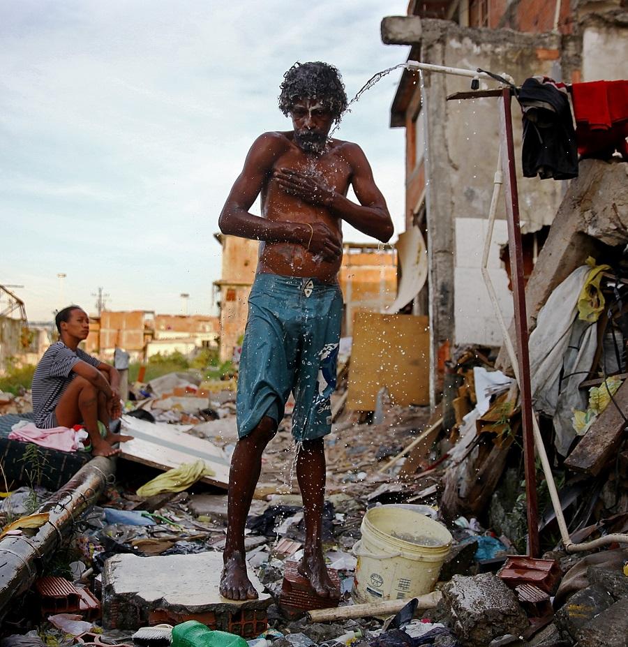 Favela clipart suburban community #6