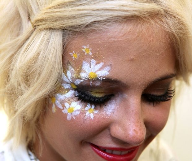 Festival clipart face painting  Face 25+ paintings The