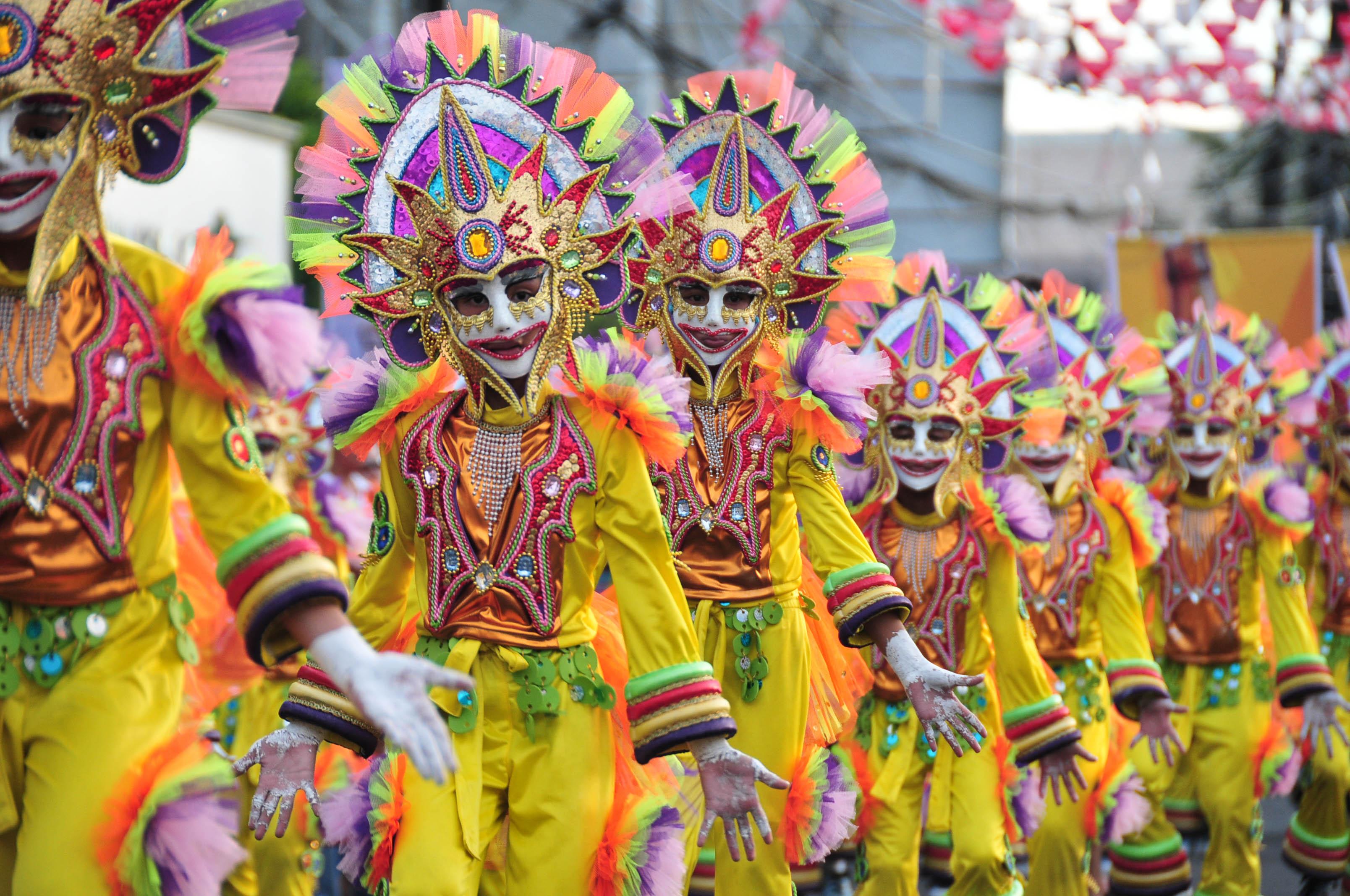 Festival clipart maskara Kinnmarccamus festival masskara