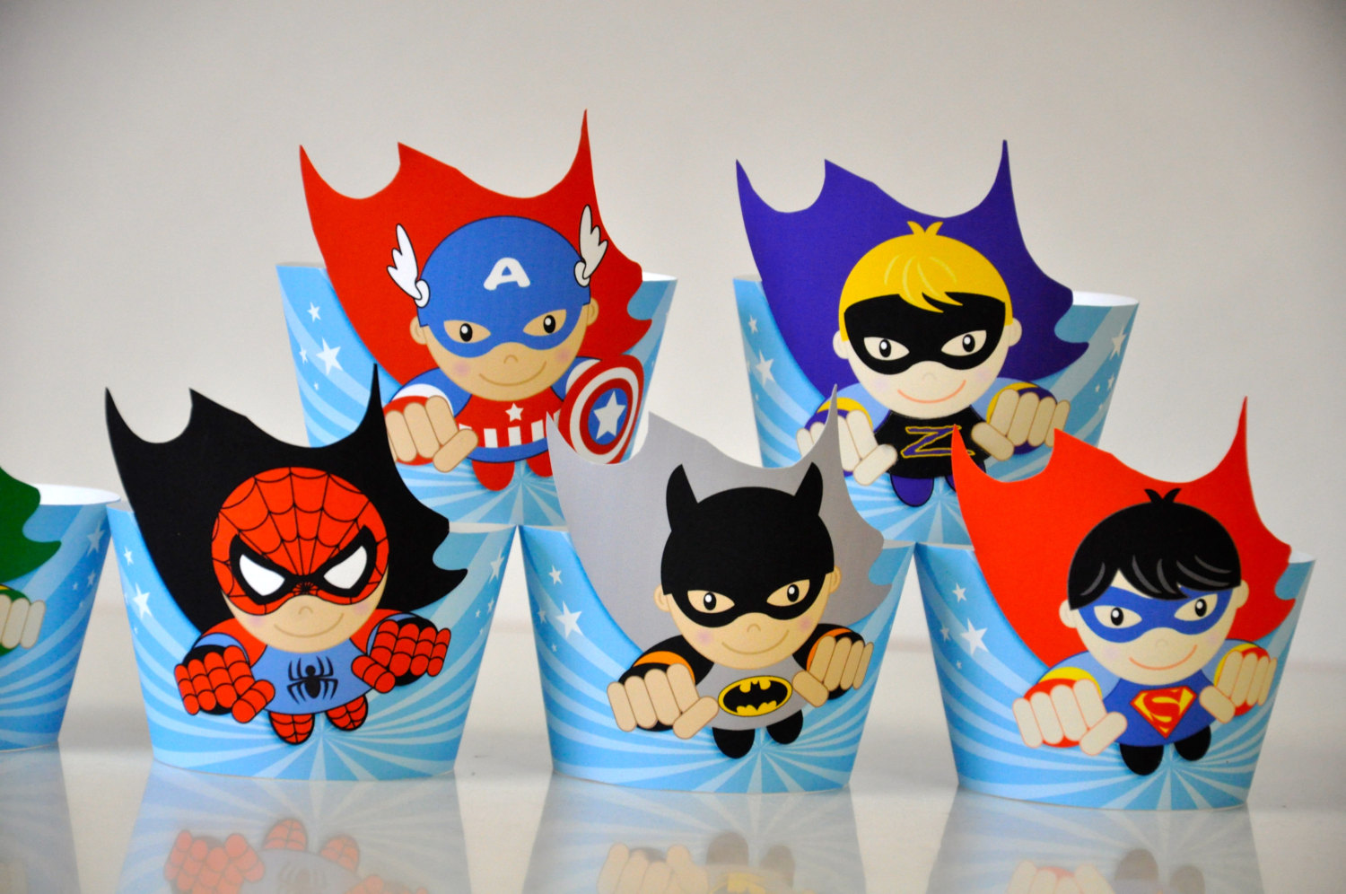 Flash clipart batman and robin Party cupcake  with Heroes