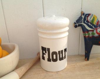 Flour clipart dredger Flour shaker by Ceramic Shaker