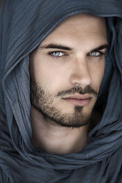 Gorgeus clipart dark hair Do of What eyes men