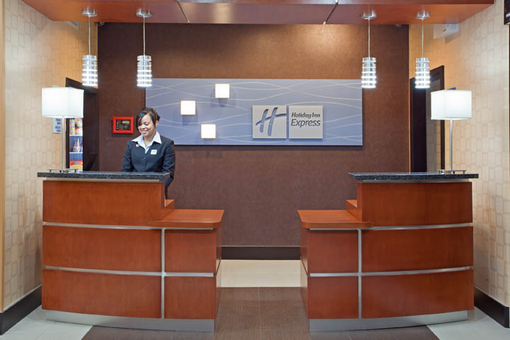 Inn clipart hotel front office Hotel Desk suites and holiday