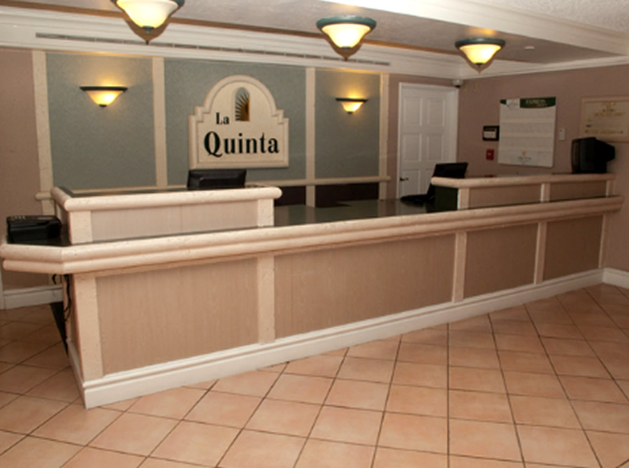 Inn clipart hotel front office Front Inn Stylish Quinta La
