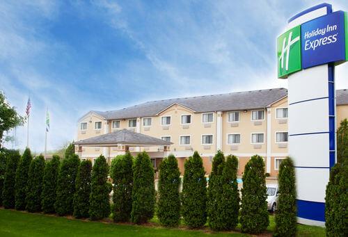 Inn clipart lodging Inn Express Holiday Lodging