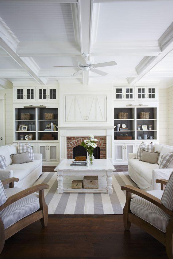 Living Room clipart rich family De bookshelves on Living Maison