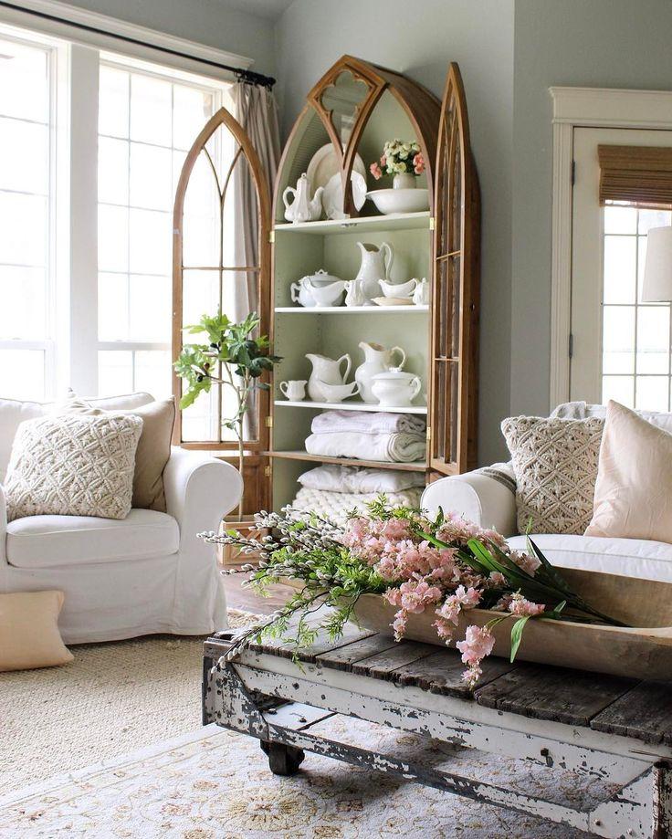 Living Room clipart rich family On ideas  Best Pinterest