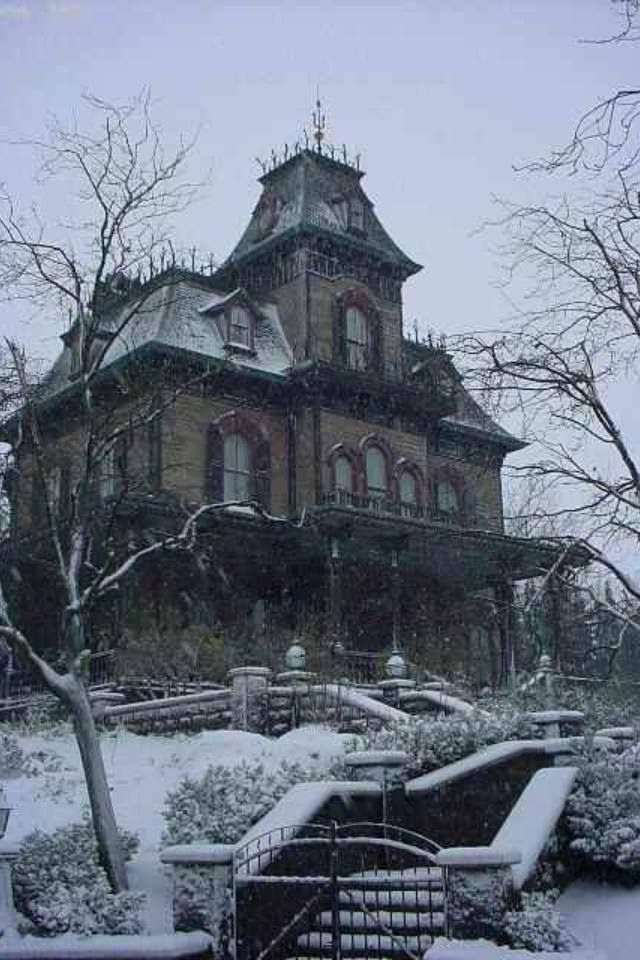Drawn haunted house abandoned house Find Haunted Mansion Pinterest more