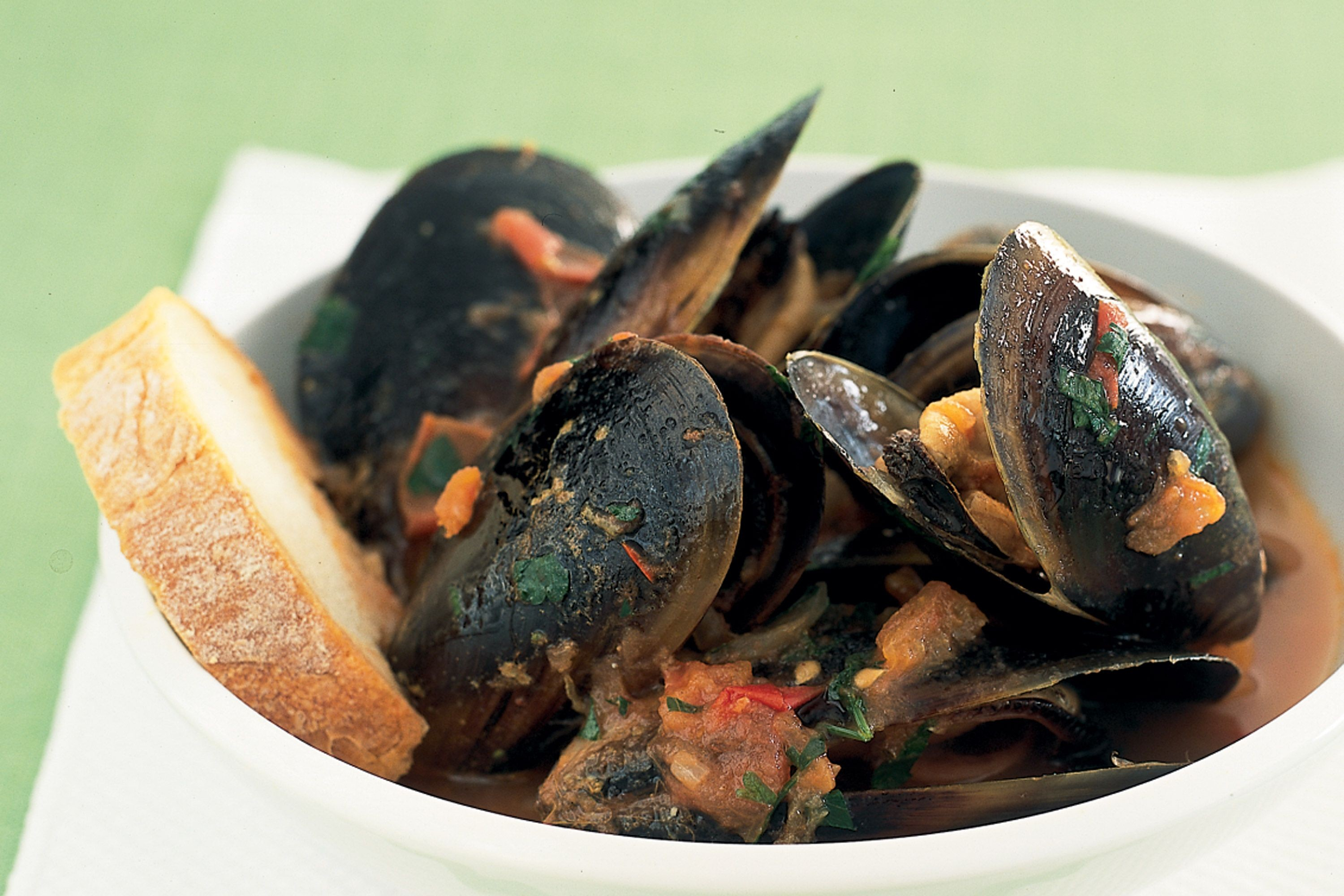 Mussel clipart big muscle  tomato Mussels chilli sauce