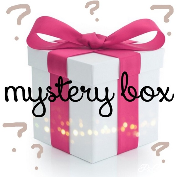 Mystery clipart present $25 BOX Forever 21 BOX