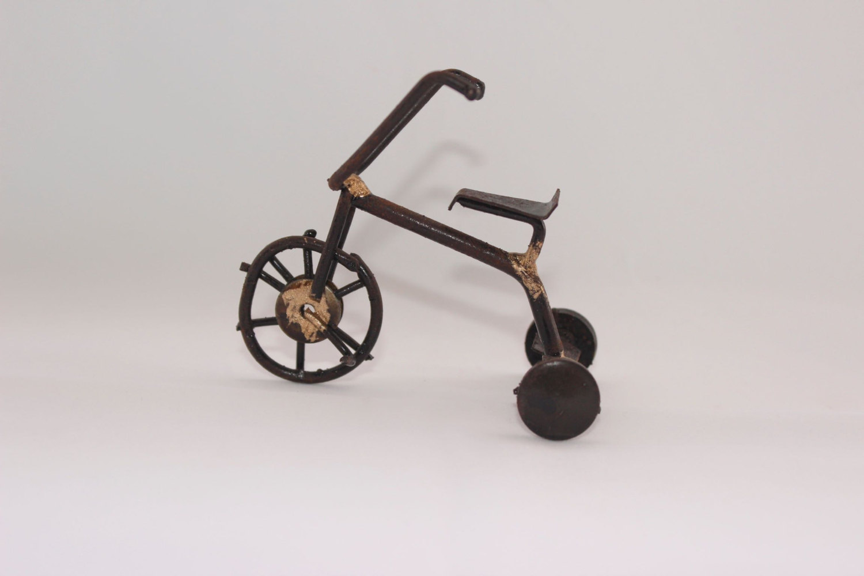Nails clipart scrap metal Welded Scrap art Statue Tricycle