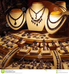 Necklace clipart jewelry display #10