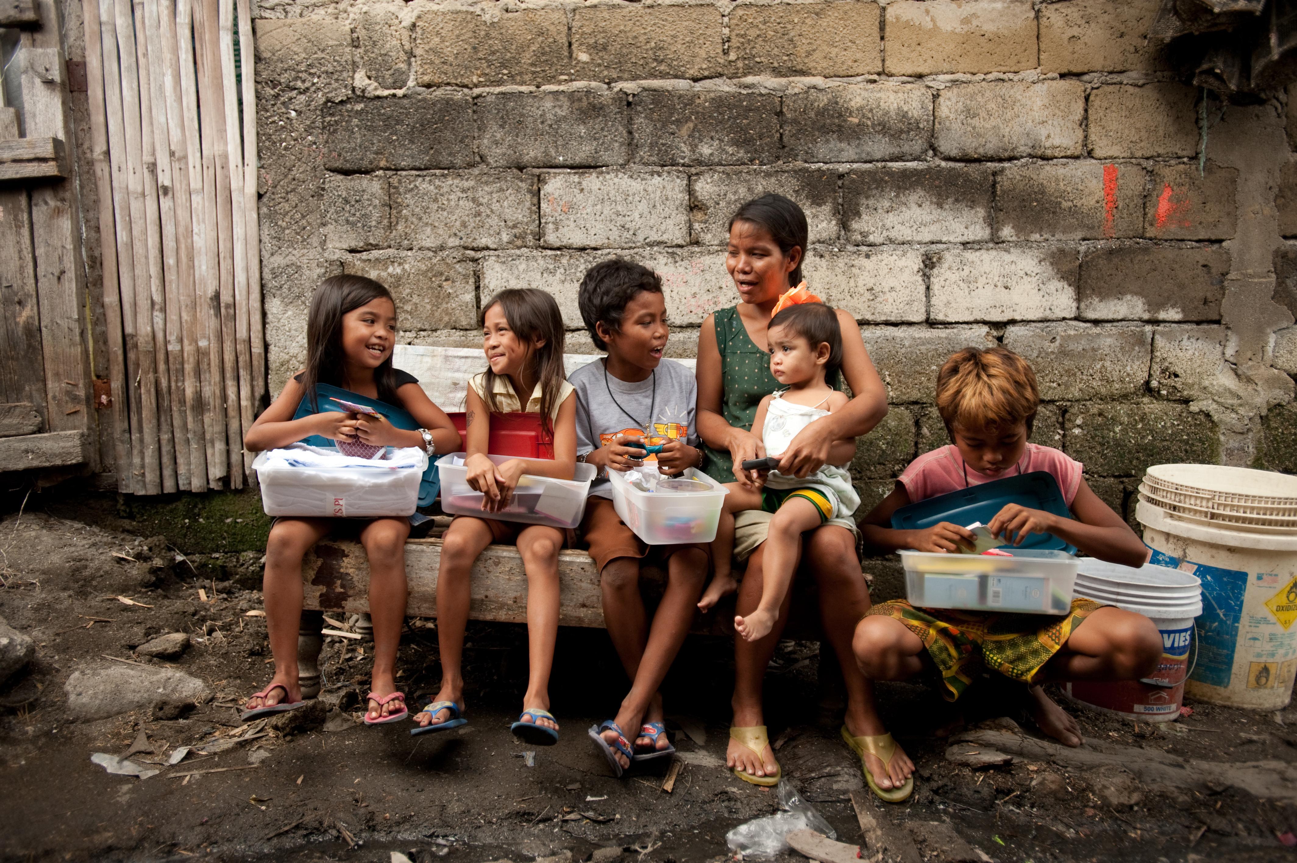 Phillipines clipart child group work #8