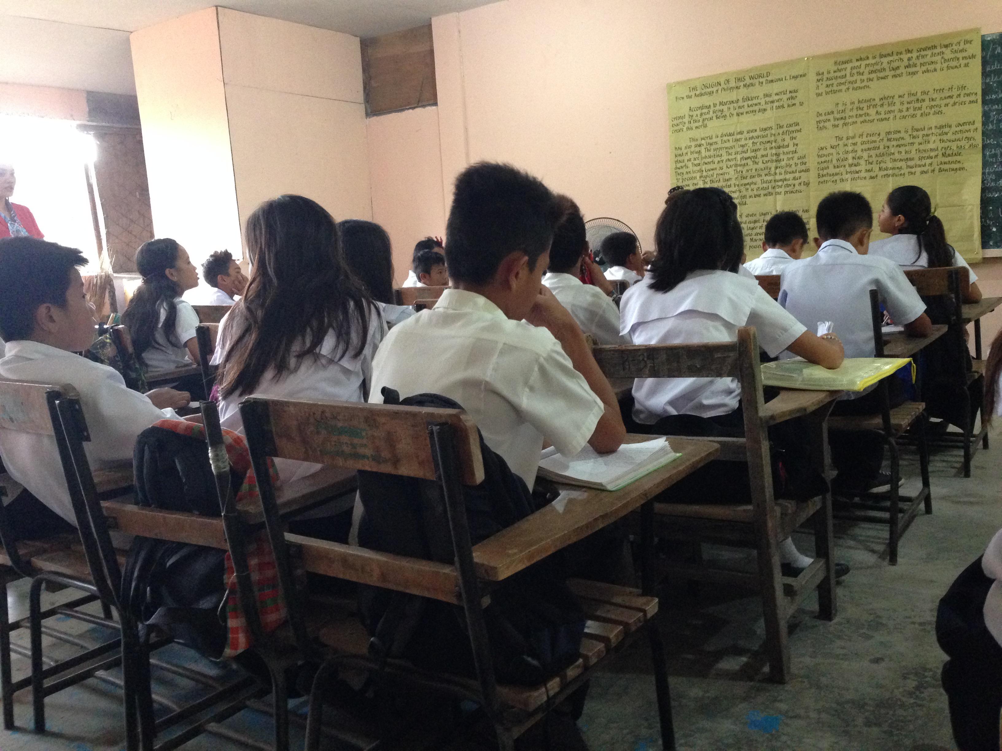 Phillipines clipart diverse classroom Desks Typical Iloilo public Beatnik