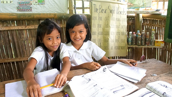 Phillipines clipart poor child Engaged World Philippines 222 program