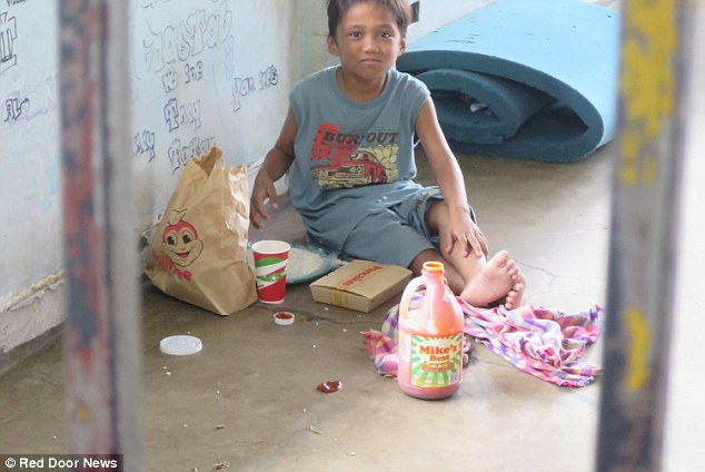 Phillipines clipart poor child Who to children in had