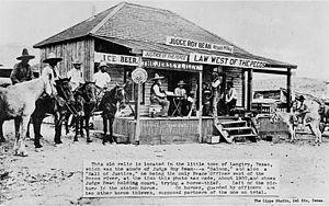 Piano clipart old west Saloon Wikipedia Western Western saloon