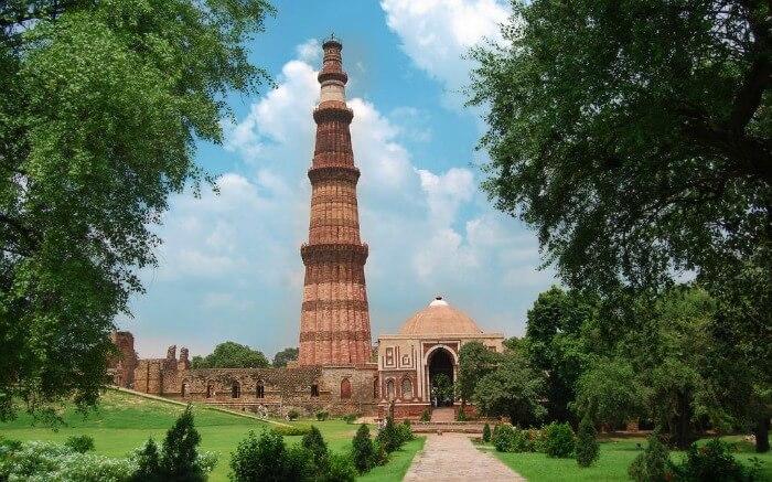 Pl clipart city street Places Qutub Historical India Famous