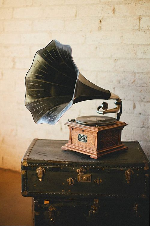 Record Player clipart horn On Victrola ideas player I