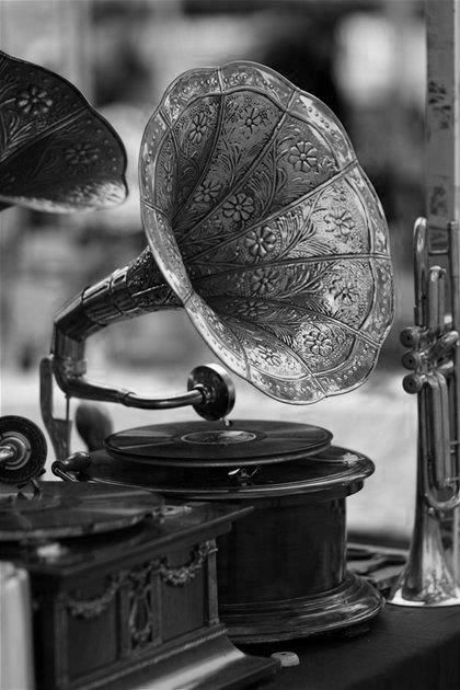 Record Player clipart vintage music Me Antique player Pinterest of