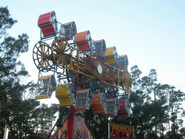 Ride clipart zipper  Australian Amusement Xmas Carnival